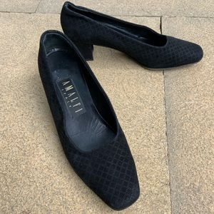 Italian-made AMALFI black shoes